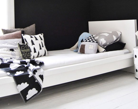 10 black and white kids rooms