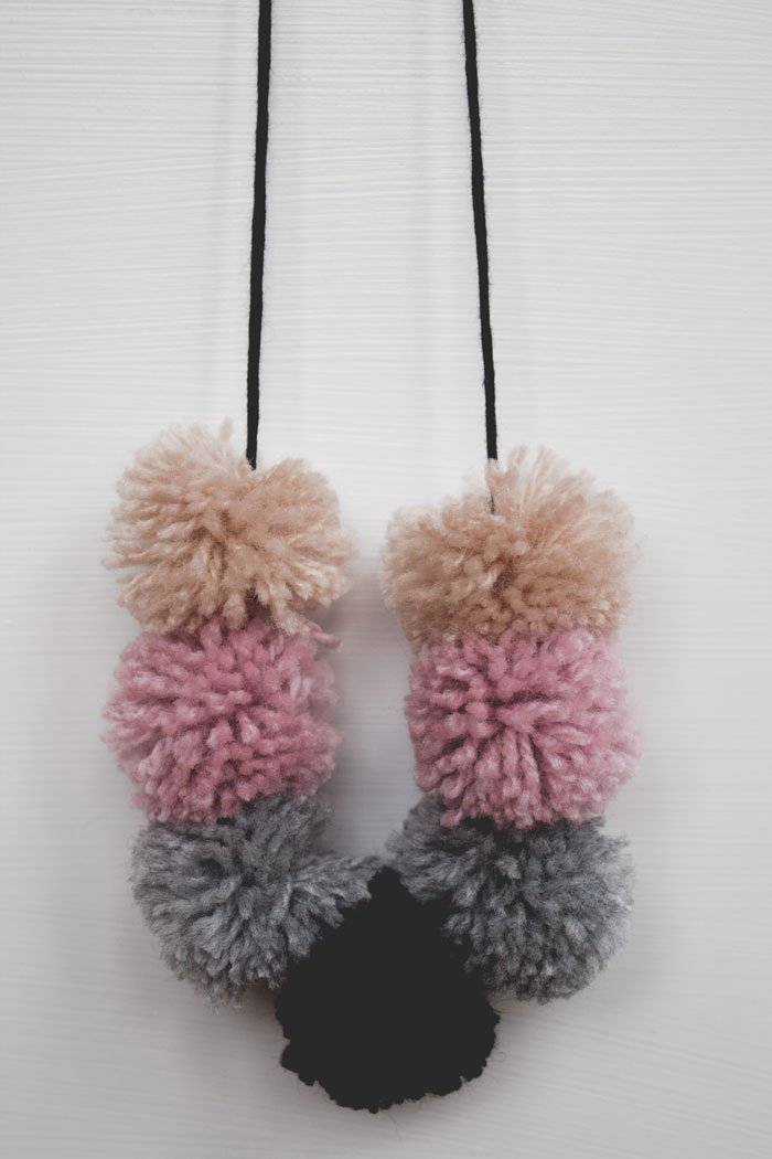 DIY pompom necklace by tiny & little